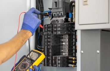Circuit Breaker Repair and Maintenance